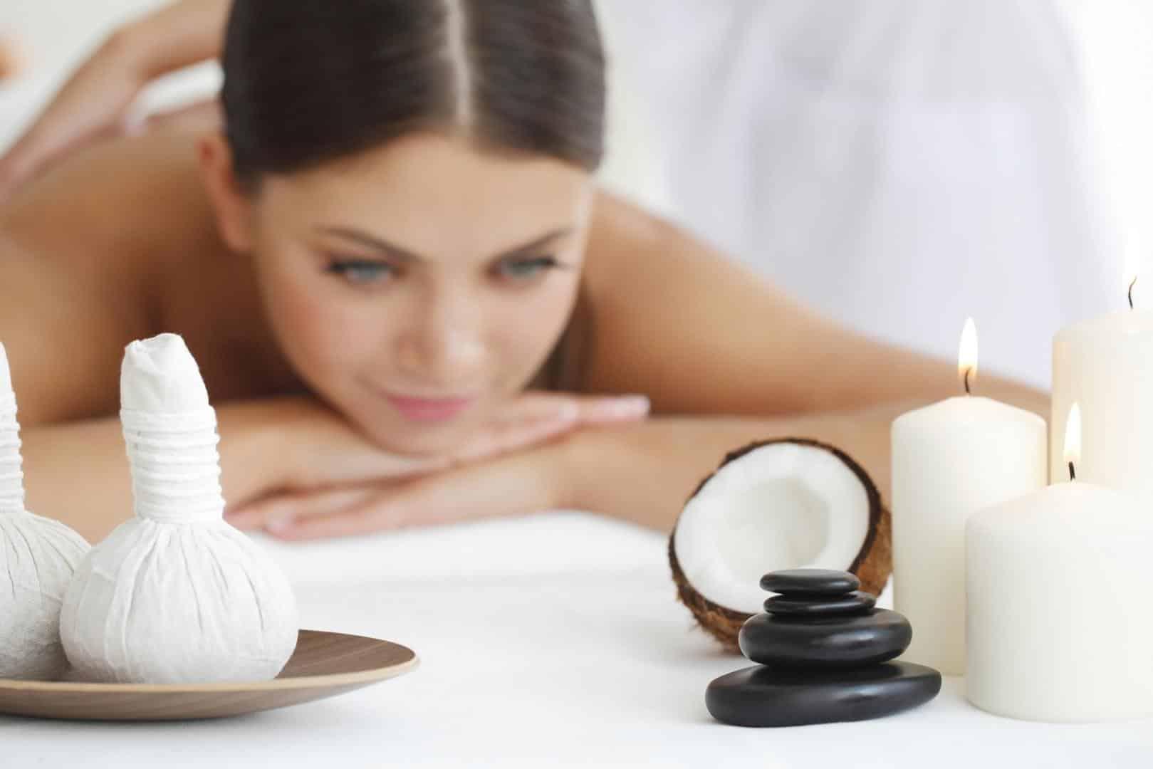 Massage dans un institut de beauté