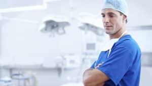 Quelle différence y a-t-il entre la chirurgie esthétique et la chirurgie réparatrice?